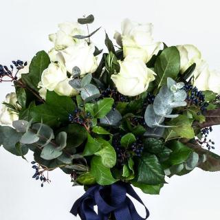 Chandos - Twelve Long Stem White Roses Bouquet