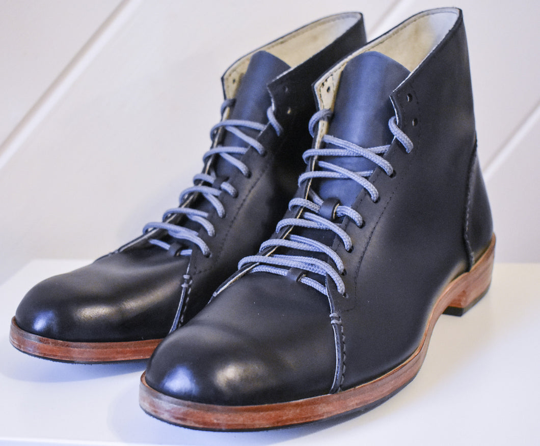 The Asher Boots in Black