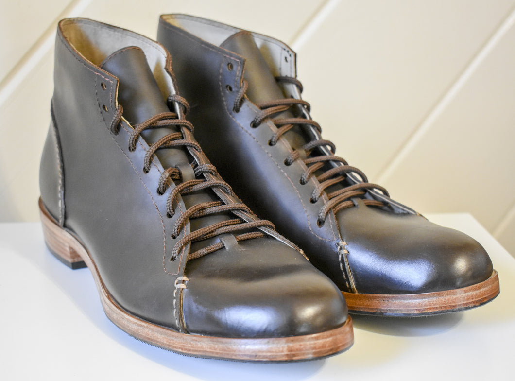 The Asher Boots in Dark Brown