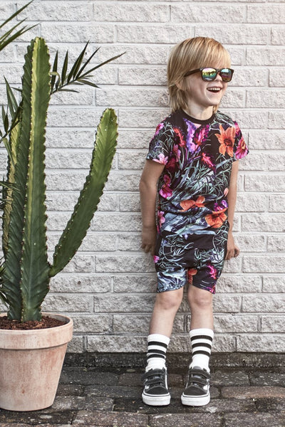 Someday Soon Fiji Hawaian Flower Print Sweatshorts, Look book image | POCO KIDS
