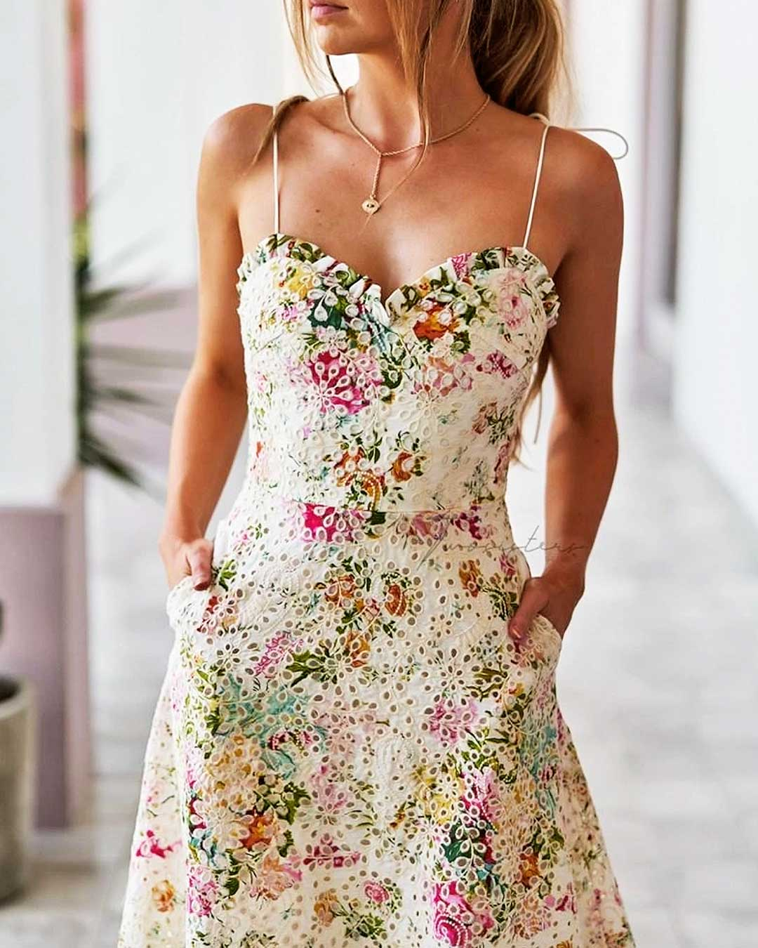 Anthea Lace Midi Dress - Floral