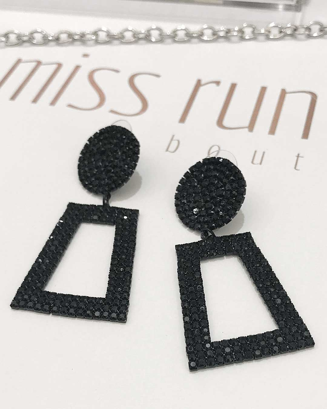 Elsa Earrings - Black