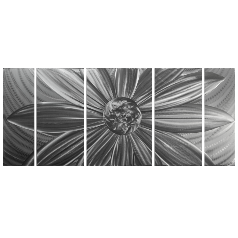 'Daisy In Silver' Metal Graphic Art | Brushed Aluminum