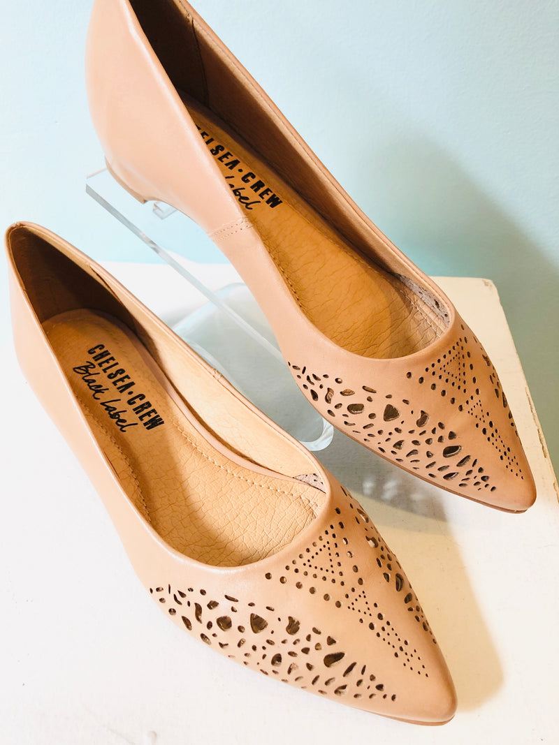 Sofia Pointed Toe Leather Flats Shoe in Nude by Chelsea Crew