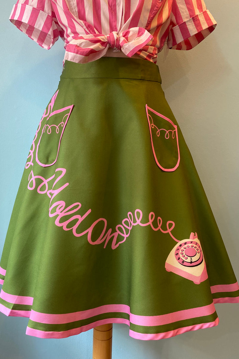 Hold-on Skirt in Green and Pink