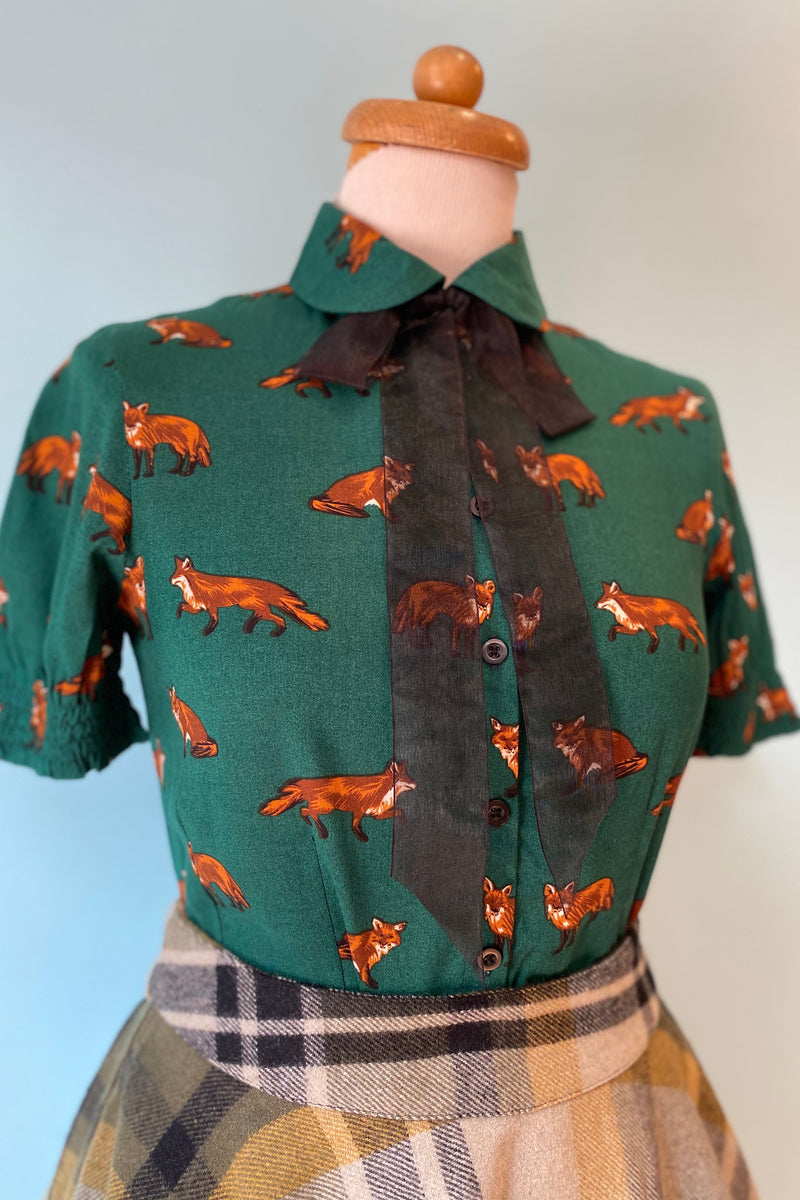 Vixey Short Sleeve Fox Top in Green by Hell Bunny