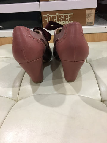Chelsea Crew Burgundy and Pink Heels With a Ribbon Tie