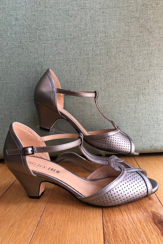 Nancy Heel in Pewter by Chelsea Crew