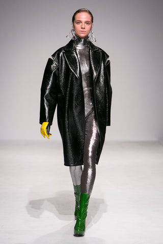 Theo green boots, fashion look, leather coat oversize