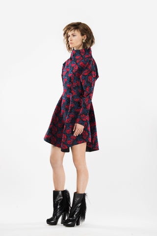 Jaquard dress with wide collar