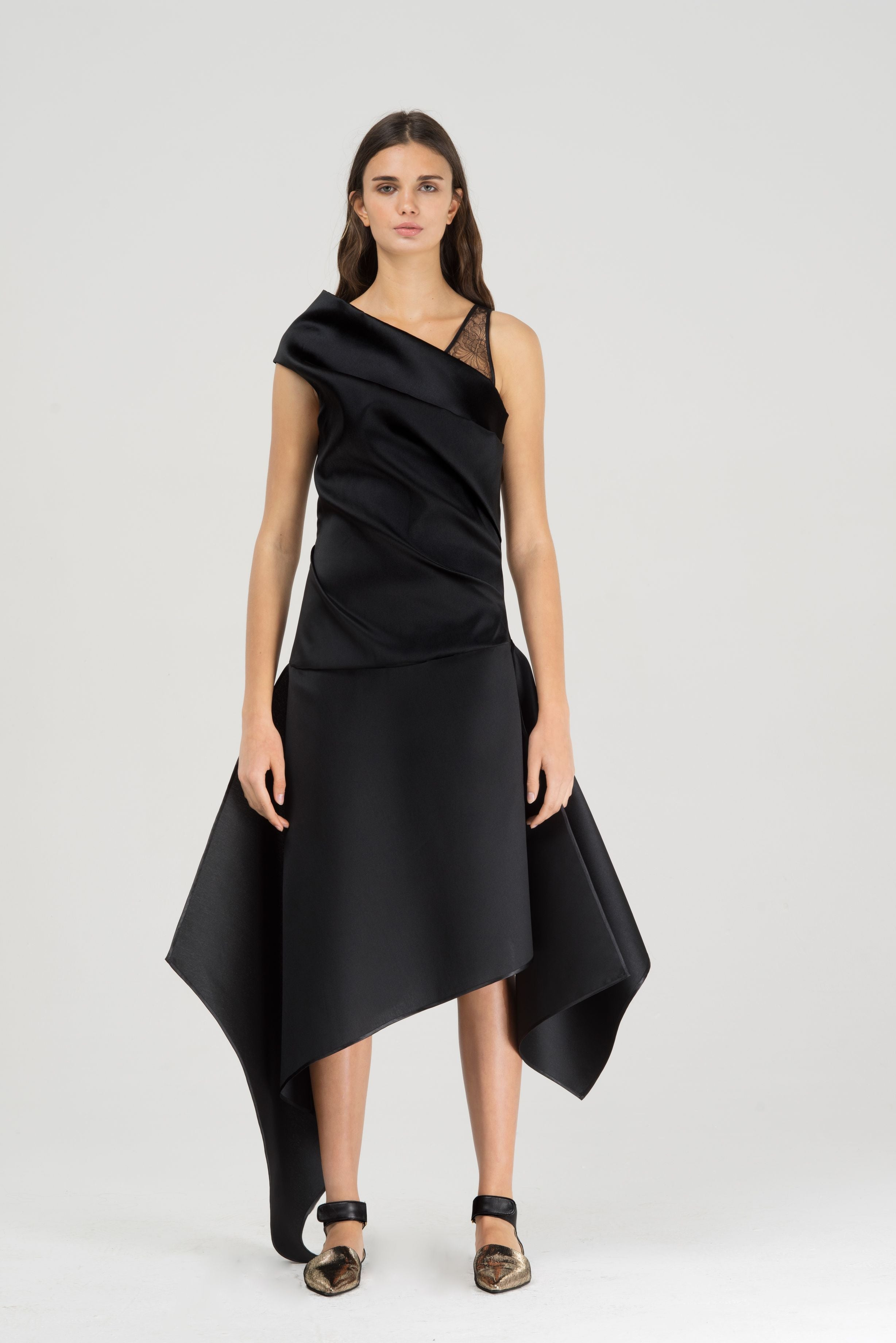 Assymetric cocktail dress with lace detail