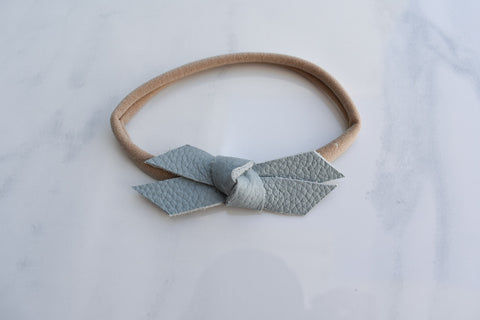 SKY BLUE | mini Madeline bow