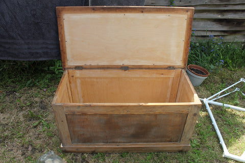 trunk, wooden furniture, renovating furniture, the furniture recycling shop, recycle