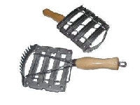Curry comb - metal w/wood handle