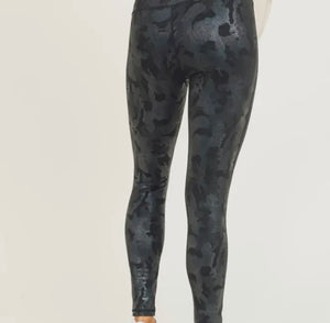Camo Holographic Foil Highwaist Leggings