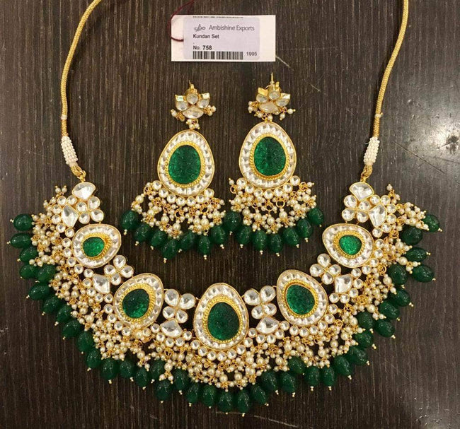 Beautiful Kundan Necklace in Green - Jewelry - FashionVibes