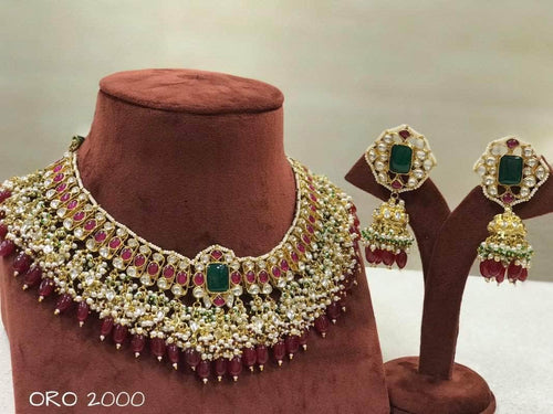 Beautiful Kundan Necklace in - Jewelry - FashionVibes