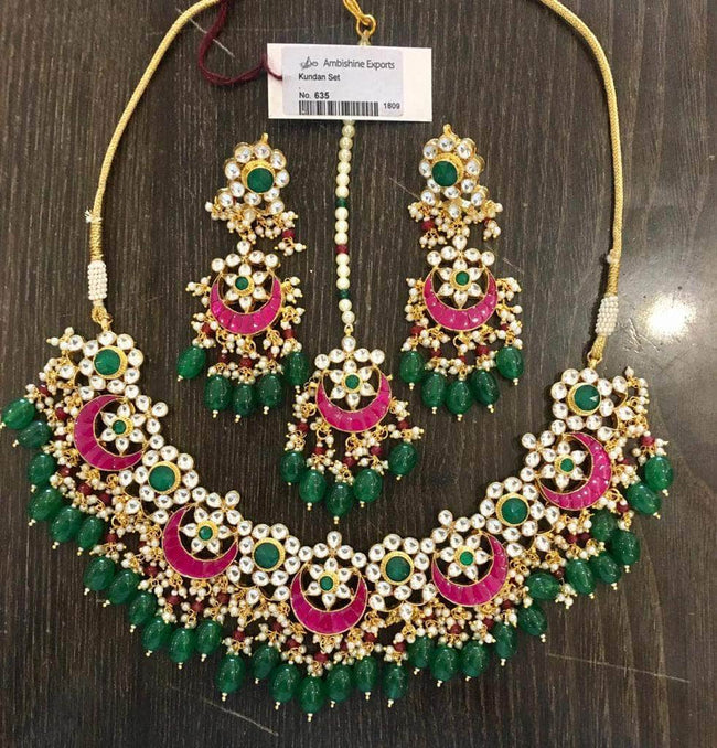 Beautiful Kundan Necklace with Maang Tikka in Green - Jewelry - FashionVibes