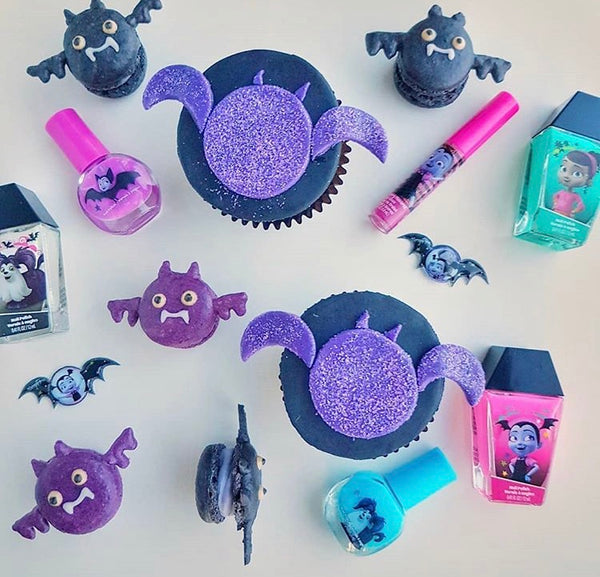 Vampirina dessert table