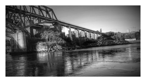 Reversing Falls Black and White Slack Tide