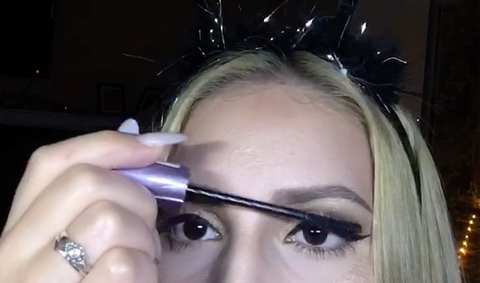 Luxilash kylie 3d lashes smokey eye makeup look
