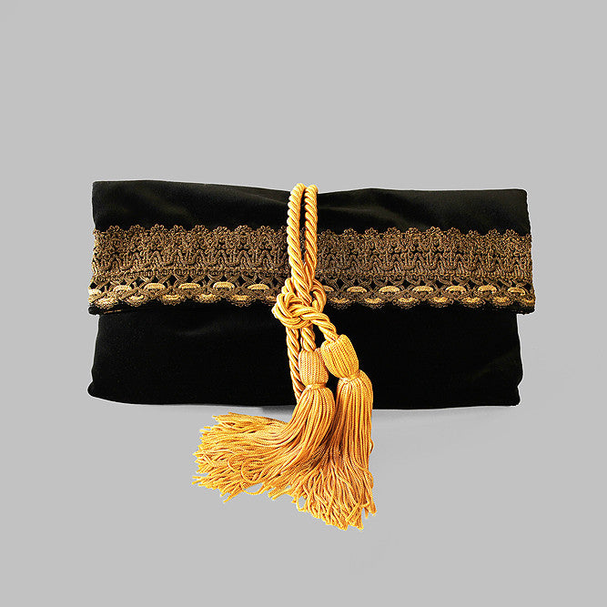 Black velvet royal clutch