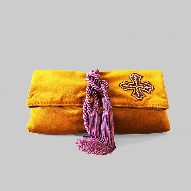 Yellow velvet royal clutch