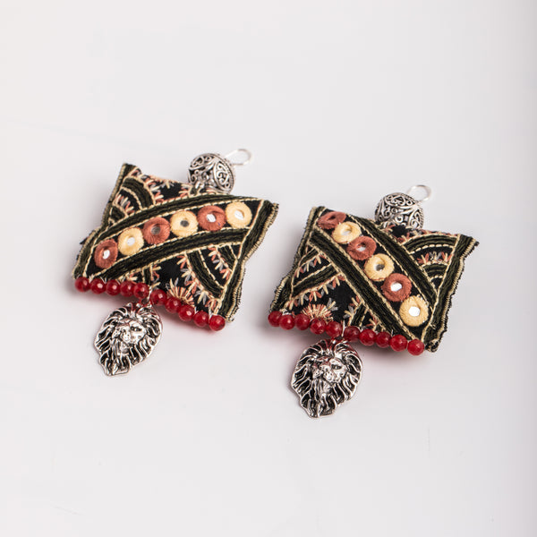 Mirroring earrings