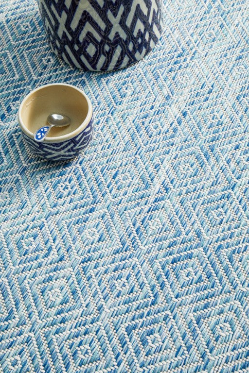 Terri Clara Diamond Rug Blue 5500