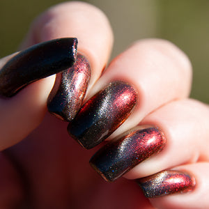 Black Flame - Black to Red Multichrome w/ Silver Magnetic Pigment