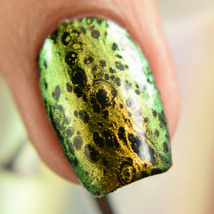 Crystal Ball (Fluid Art) - Gold/Green/Blue Iridescent Polish