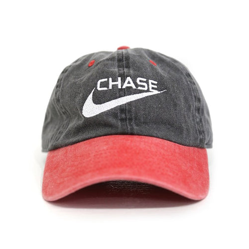 CHASE A CHECK cap in 2 tone red