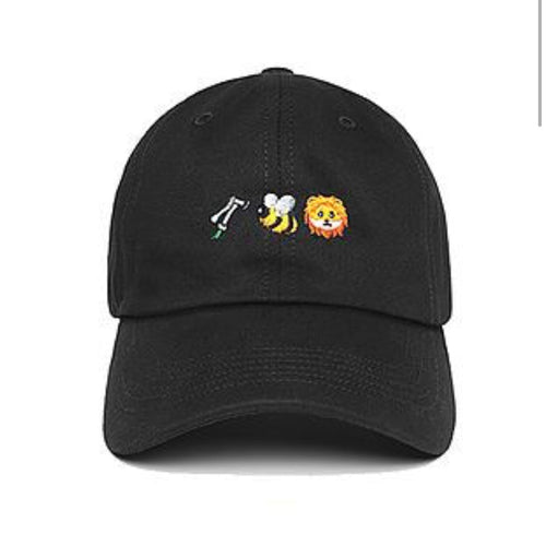 Bee Lion cap in Black