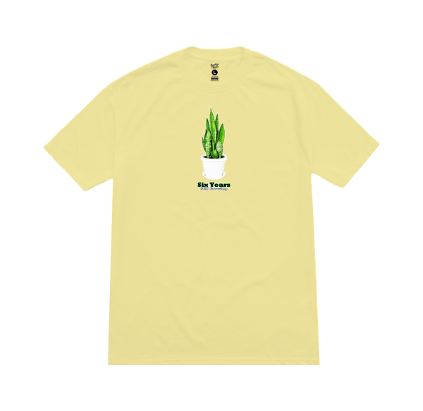 SIX YEARS Tee banana