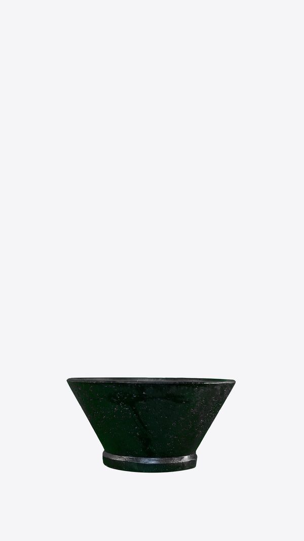 Cimstone 'V' planter - Ian Lyell Design Pots for Living Life