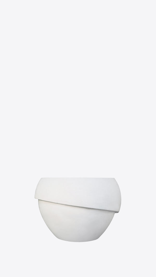 Millinery B 7 White Indoor Planter