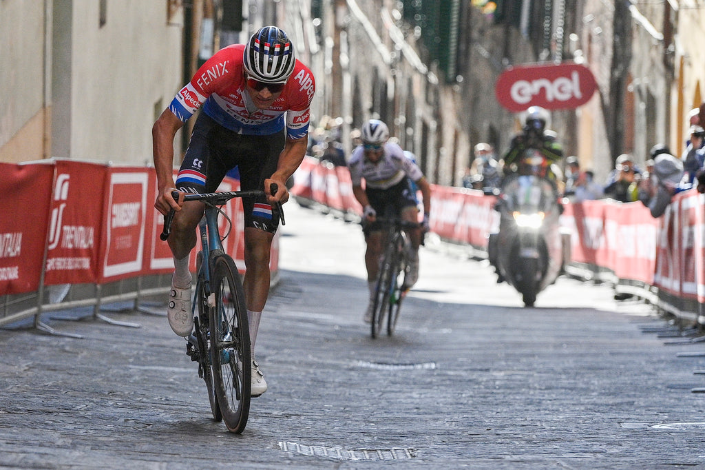 Mathieu van der Poel launches his winning move on the final climb of Strade Bianche. Photo © Marco Alpozzi (LaPresse)