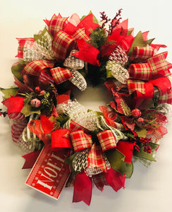 Noel Wreath (with matching Centerpiece)