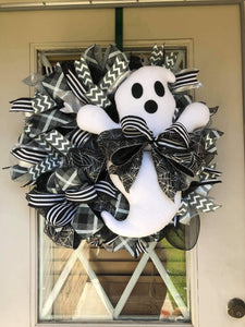 Mr. Ghost Wreath Kit