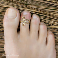 Gold toe rings