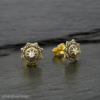 Carved Ear Studs Set With Zircon