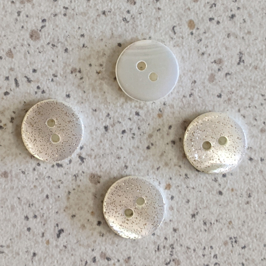 Boutons nacre blanc paillettes or 11 mm