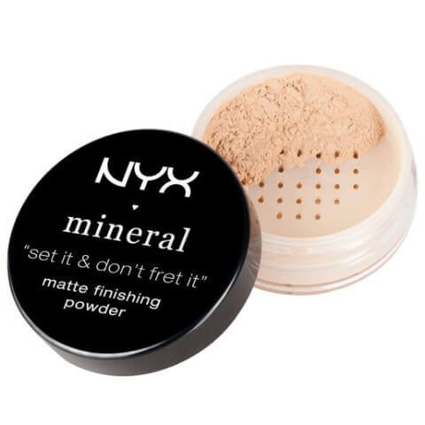 NYX - Mineral Finishing Powder (Light/Medium)  | Camera Ready Cosmetics