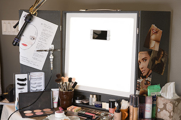 THE MAKEUP LIGHT - PORTABLE VANITY (USA ONLY) -  | Camera Ready Cosmetics - 5