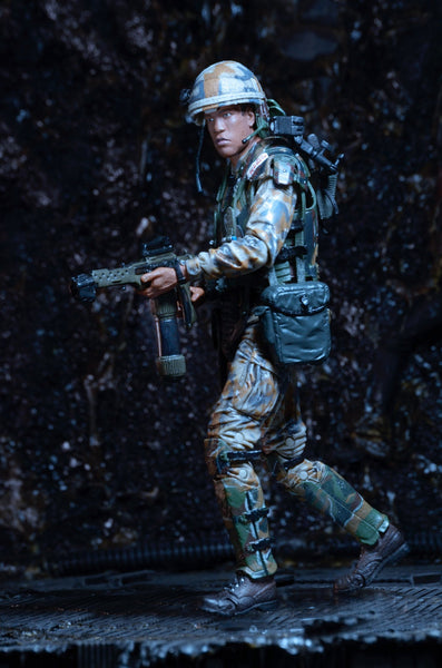 Aliens Series 9 - Pvt Frost figure - Cyber City Comix
