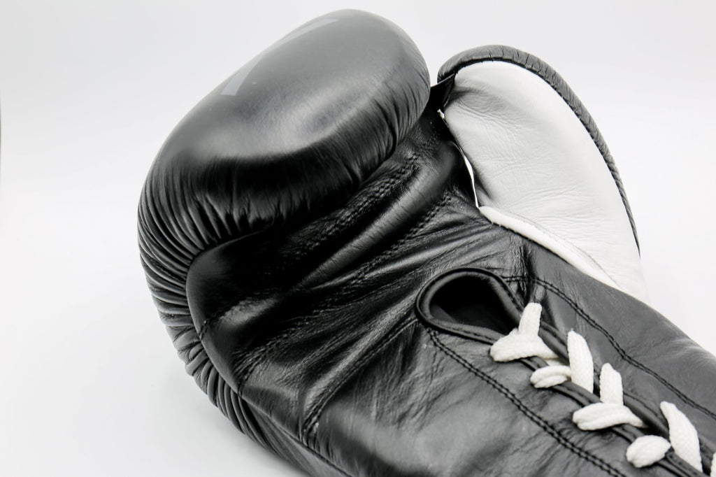 GWX Pro Boxing Gloves - Black 16oz Laces
