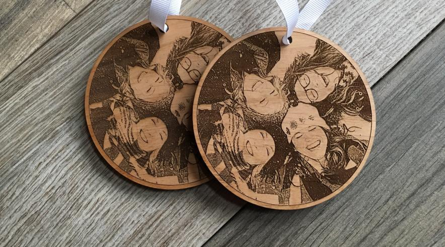 Wooden photo ornament