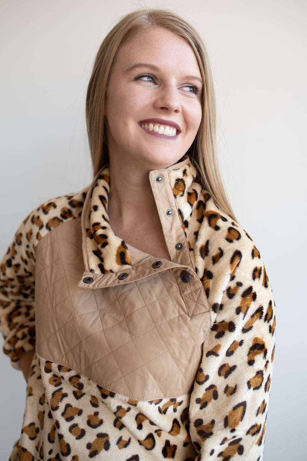 Leopard Fleece Jacket - Beige