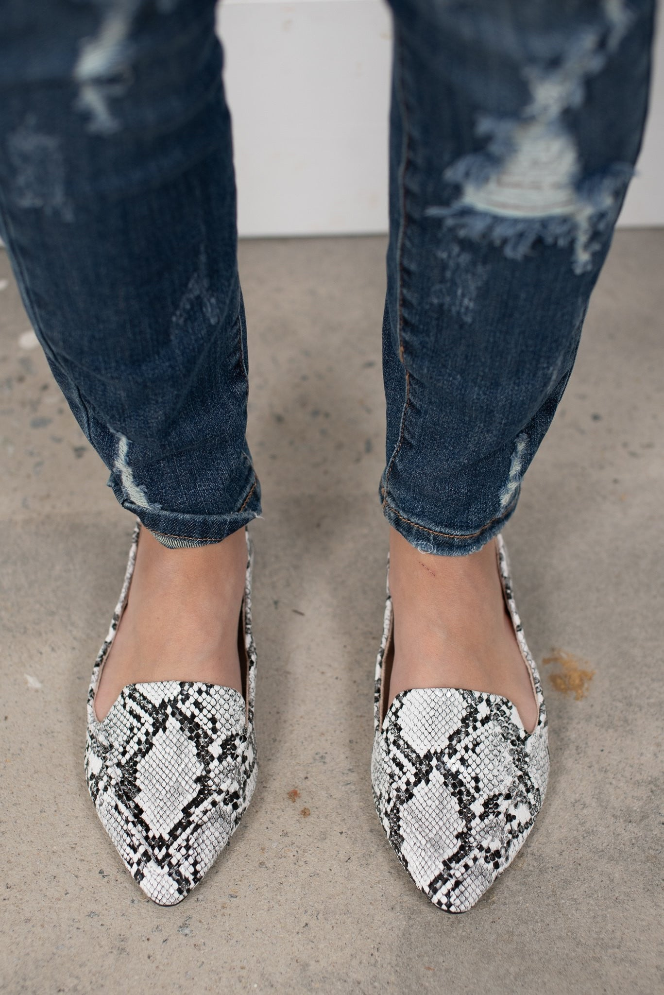 Snow Snakeskin Shoes - Essential Southern Charm