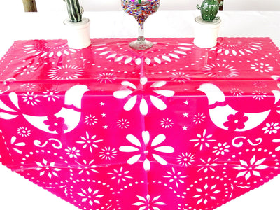 Fiesta table decorations in pink 39X36 Inches PLASTIC MF2